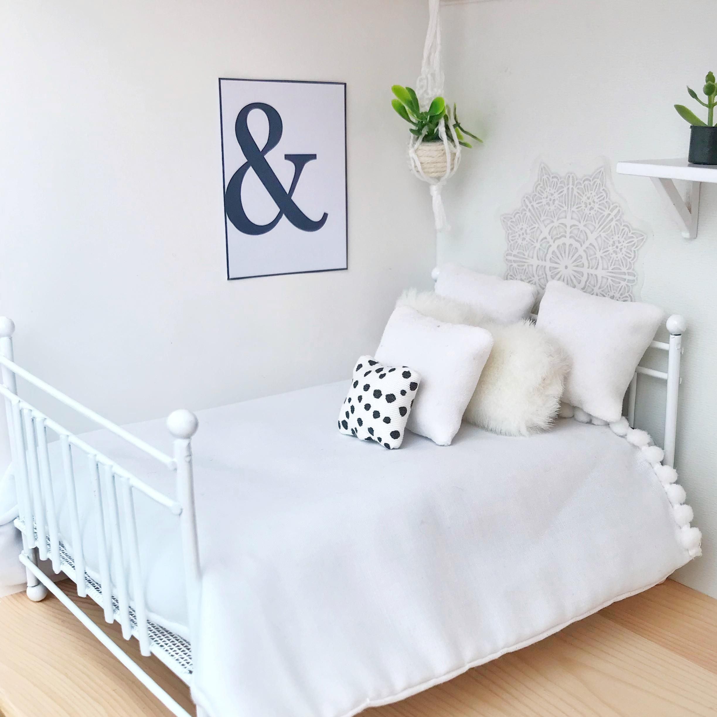 Beautiful white wire double bed. Comes with offwhite