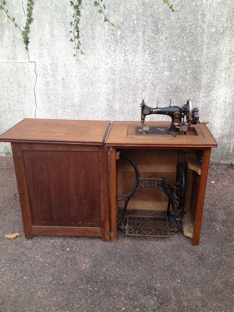 Pfaff Antique Sewing Machine In Carved Oak Sewing Cabinet