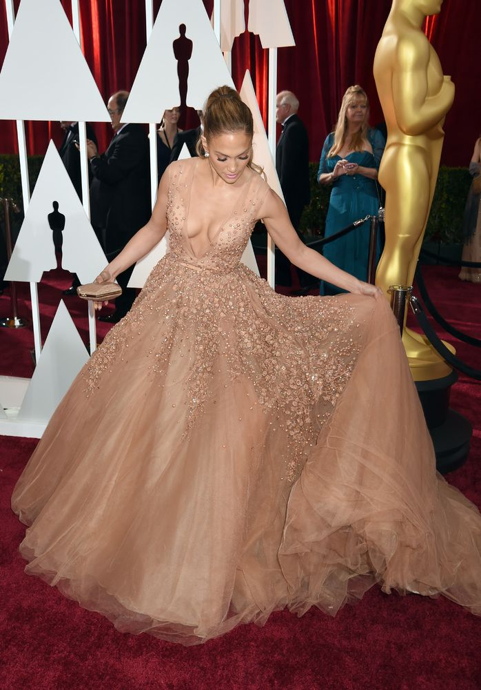 3d9bb4b2f1 Elie Saab's rose gold gown is fit for a princess | Hollywood ...
