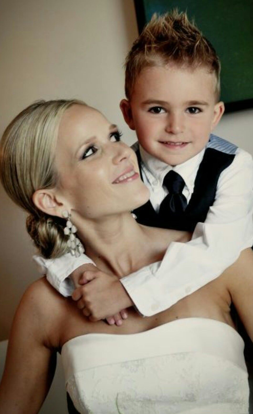 Pin by Nicole Rossi on Weddings Wedding photos poses
