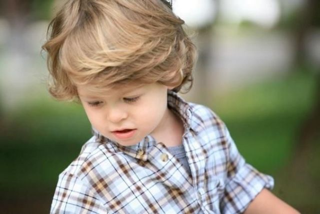 Frisuren Für Kleine Jungs Lässiger Und Cooler Look Toll Gestylt