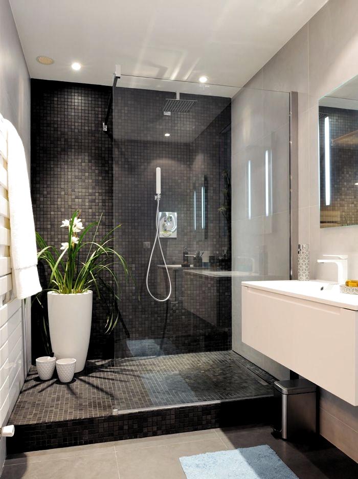 Bagni Moderni Bagni Bianchi E Neri Grande Fiore Box Doccia Tessere Di Mosaico In 2020 Modern Bathroom Decor Small Bathroom Renovations Modern Bathroom