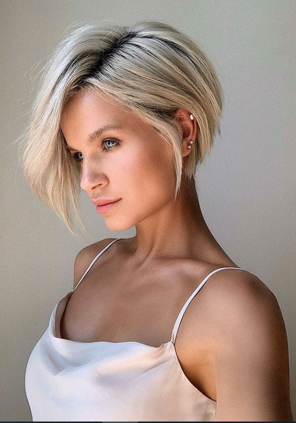 25 Chic Short Bob Haircuts For Cool Summer Hairstyle Latest Fashion Trends For Woman Thick Hair Styles Short Bob Hairstyles Hairstyles For Thin Hair