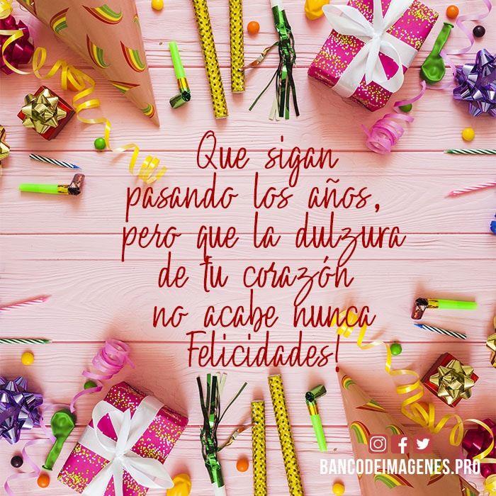 Imagenes Con Dedicatorias De Cumpleaños Para Descargar Al Celular Gratis Happy Birthday Wishes Cards Happy Birthday Celebration Happy Birthday Messages