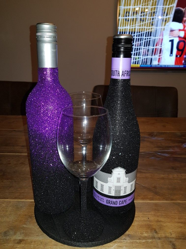 Glitter wine bottle ombre black purple glasses