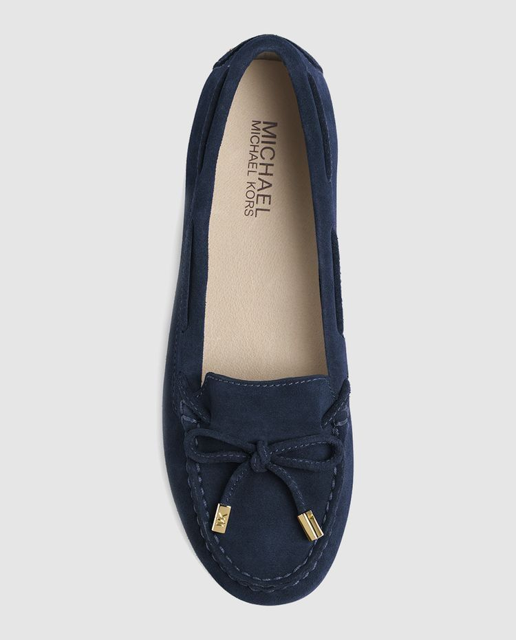 Pin By Claude Bola Bola On Flats Fashion Boots Shoes Shoe Boots