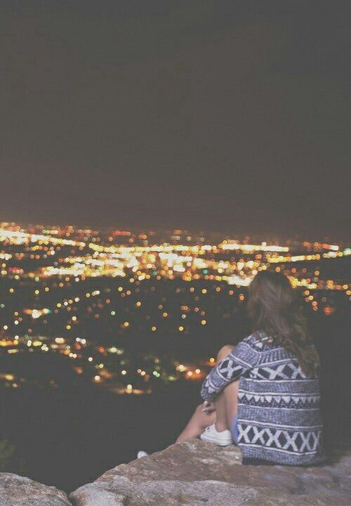 Afbeelding via We Heart It #blackandwhite #dark #grunge #hipster #indie #night #photography #vintage