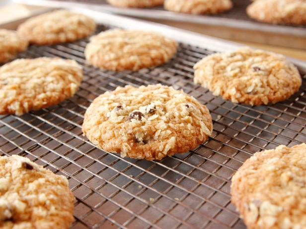 Potato Chip Chocolate Chip Cookies #potatochipcookies