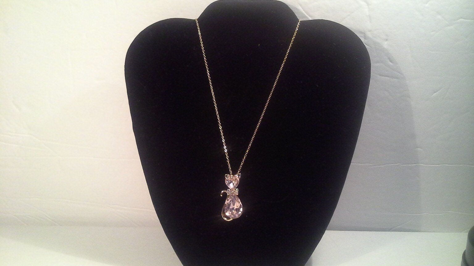 Pink Cat Pendant Necklace with Pear and Heart Shaped Stones 18k Gold Plated Rhinestone Bow Tie and Gold Tone Chain Faceted Pink Stones