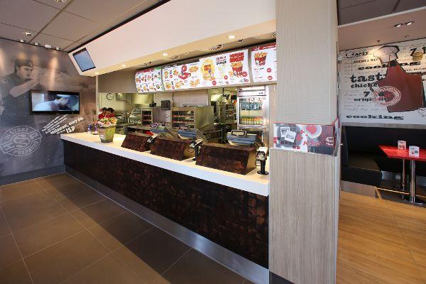 Van Keulen Interieurbouw realiseerde de inrichting van het KFC ...