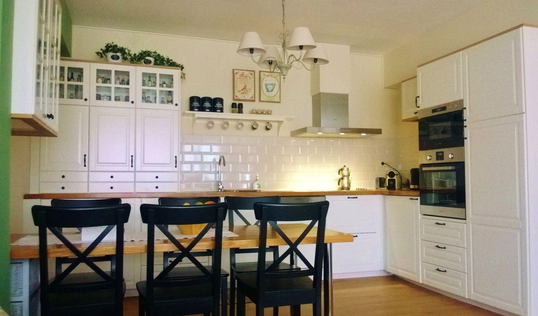 cuisine bodbyn blanc kitchen pinterest cuisines amenagement cuisine et cuisine blanche. Black Bedroom Furniture Sets. Home Design Ideas