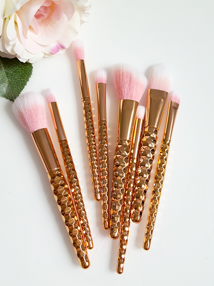 Rose Gold / Unicorn Makeup Brushes & Real Techniques Brush