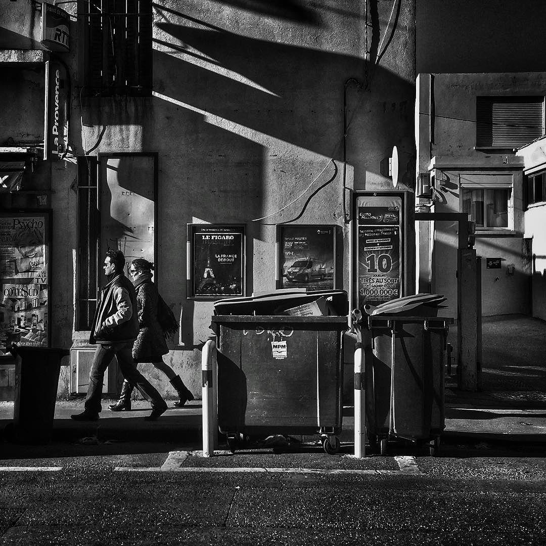 #people of the #street #marseille #bnwlife #bnwlovers #marseillerebelle #massalia #streetphotography #instamarseille #planetemars #laviesurmars #streetphoto