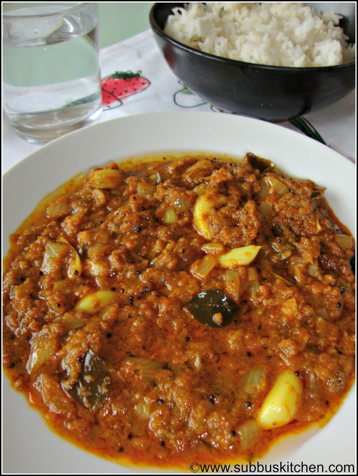 Poondu Karivepillai Kuzhambu Garlic Curry Leaves Kuzhambu With Images Veg Recipes Indian Food Recipes Vegetarian Recipes