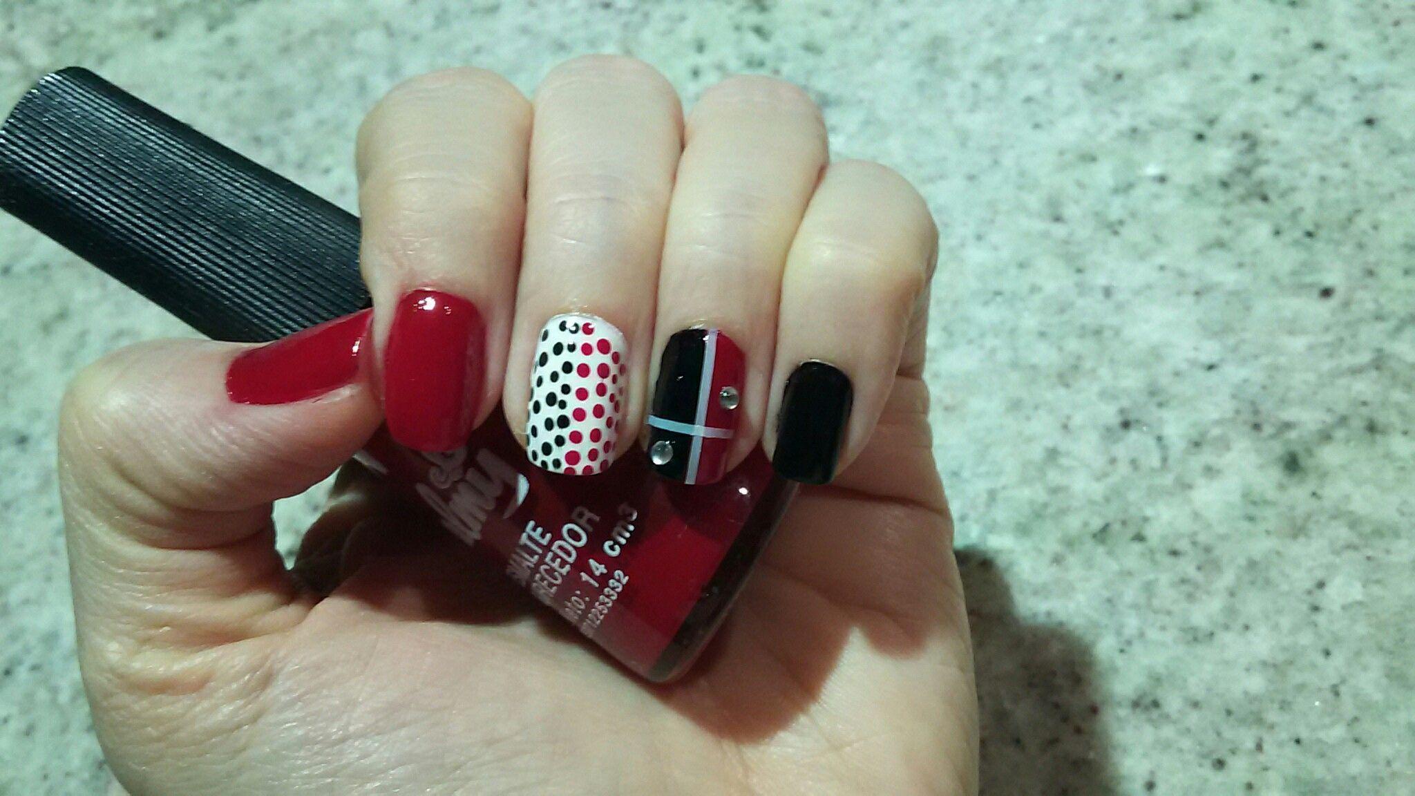 uñas negro/rojo/blanco | Manicurista en ratos de ocio | Pinterest