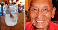 Wenn du dringend deine Zähne aufhellen und sie wieder in ihrem alten Glanz sehen möchtest, kannst du dich auf eine tibetische Methode, die ebenso überraschend als auch wirksam ist, verlassen. Hast du vielleicht gelbe und schwarze Flecken auf deinem Zahnschmelz, die durch Kaffee und das Rauchen im Laufe der Zeit entstanden sind? Wenn ja, dann