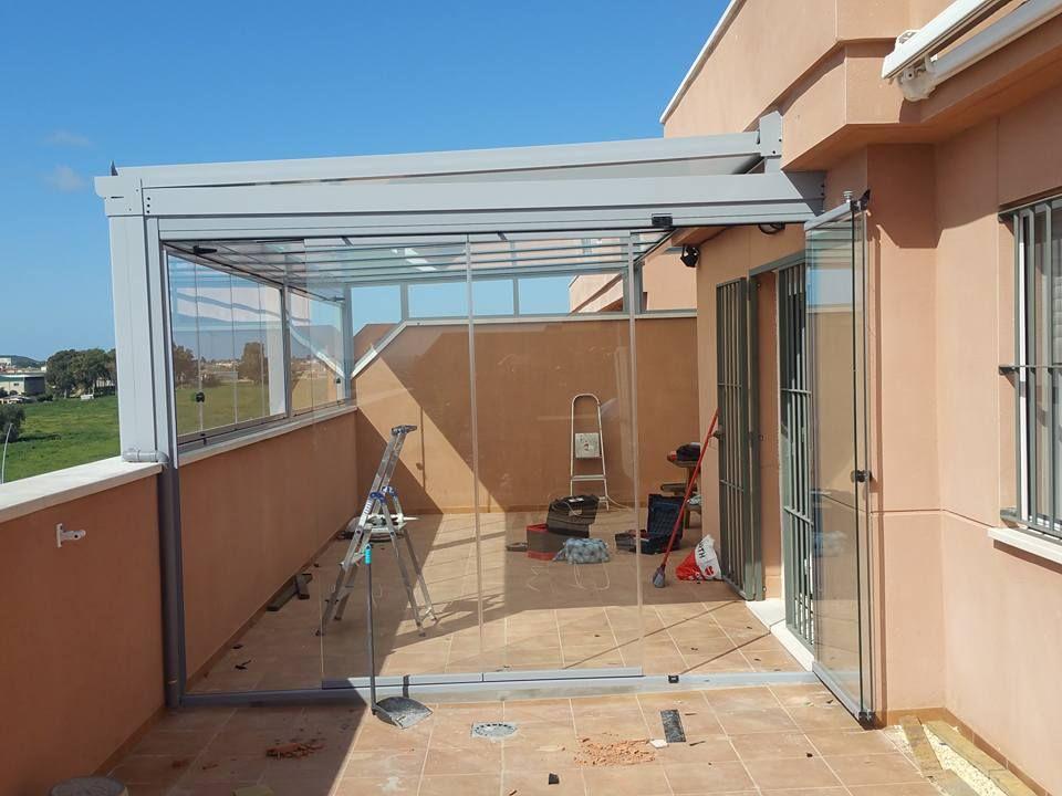 Diseño De Cerramiento Integral De Terrazas Con Cortinas De Cristal En Cádiz Diseño De Terraza Cerramientos De Vidrio Techo De Patio