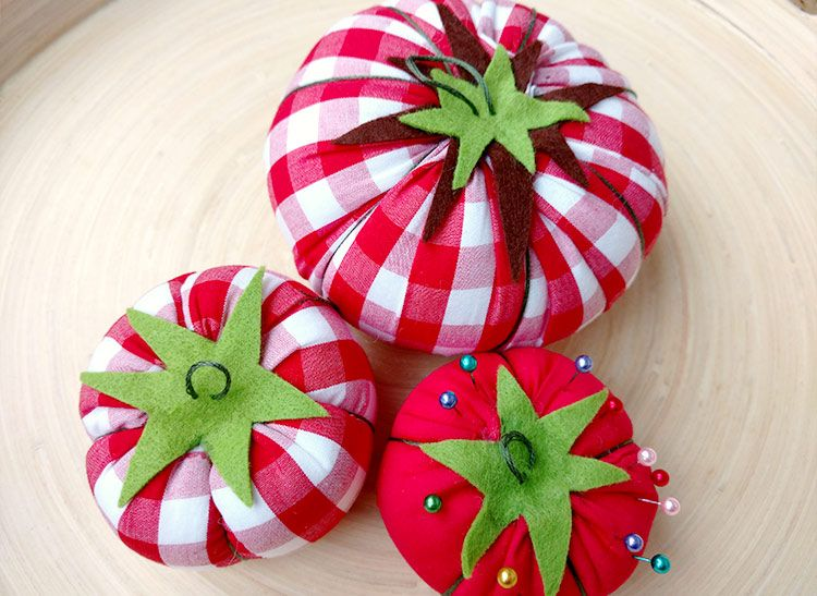 Make Your Own Classic Tomato Pin Cushion In 2020 With Images