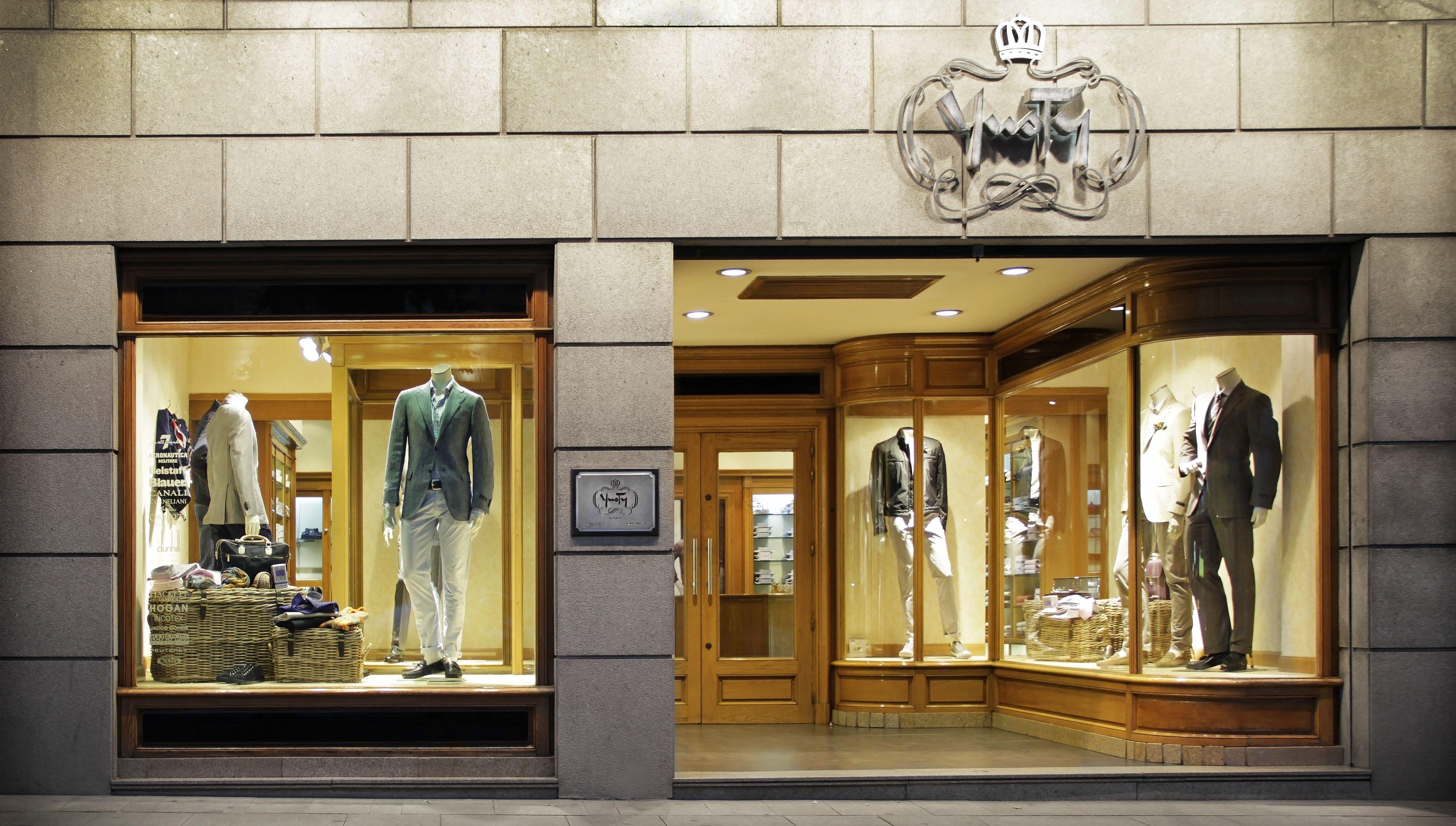 Fachada de nuestra tienda YUSTY Serrano     C/ Serrano 54 28001 Madrid Telf:  91 435 07 38