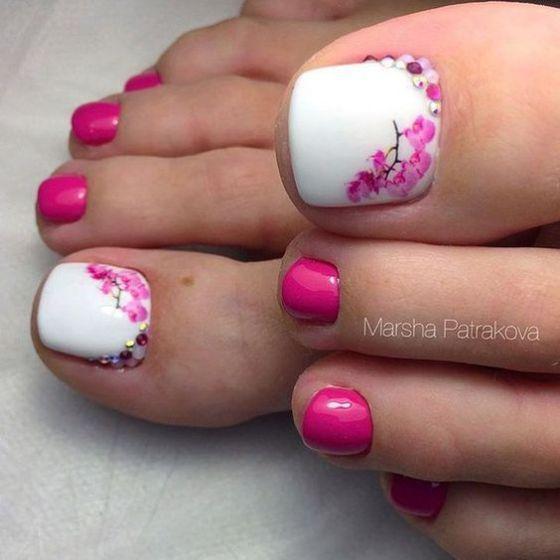 encuentra las mejores uñas decoradas para pies, no te pierdas esta