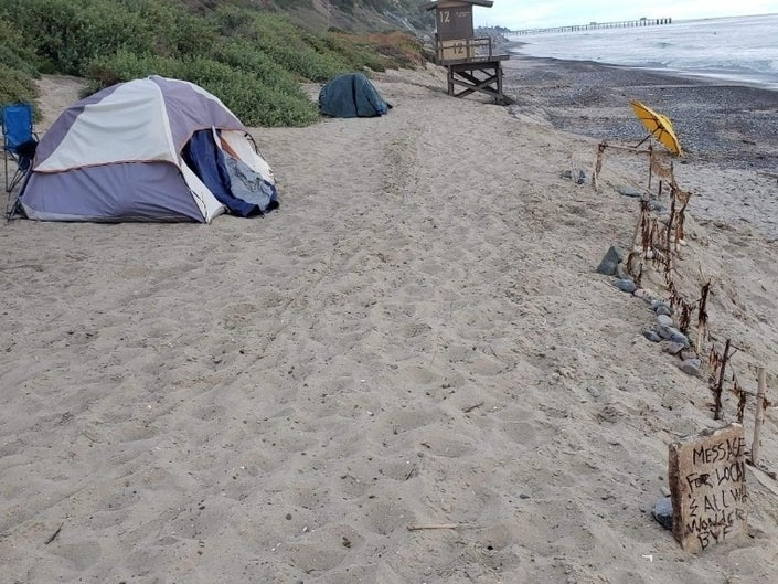 South County Cities Slammed For Dumping Homeless In Laguna Beach Laguna Beach Orange County Cities Laguna