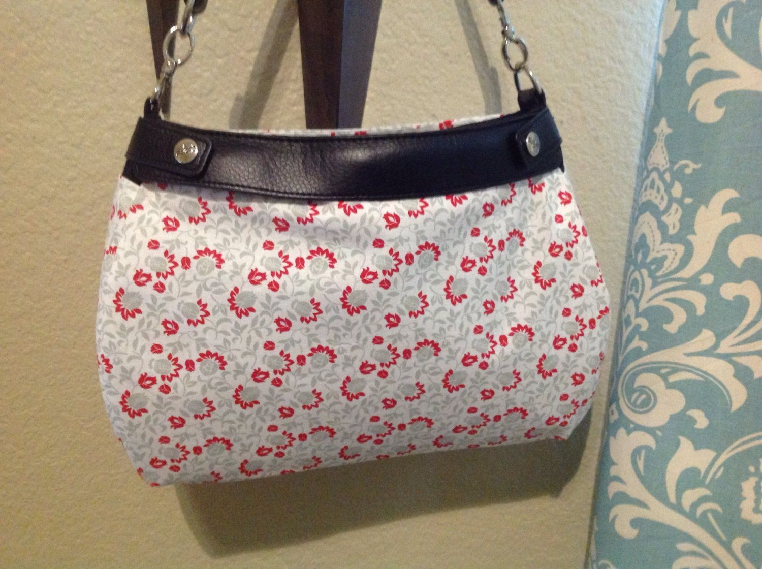 grey and red floral suite purse skirt cover handmade Thirty one by ShellyJayneCovers on Etsy