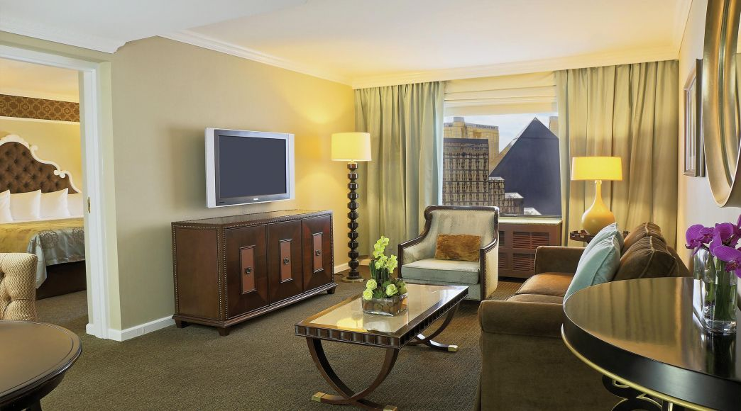 2 Bedroom Suites In Las Vegas On The Strip   Space Saving Bedroom Ideas For  Teenagers