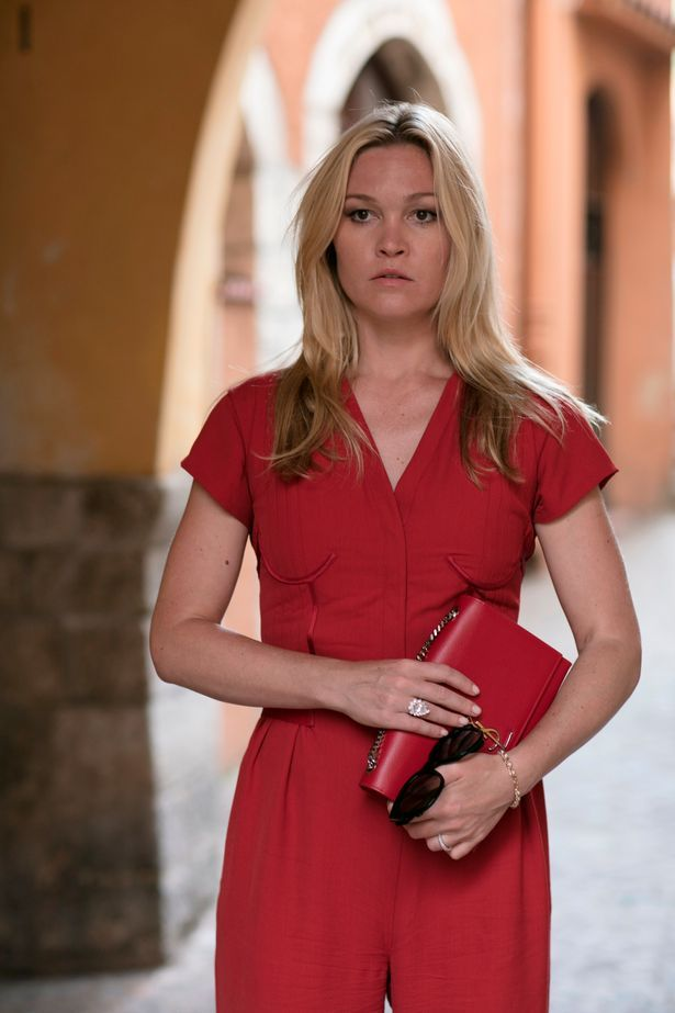 1ddc52f15234a How to get Julia Stiles' looks from Riviera | Julia Stiles <3 ...