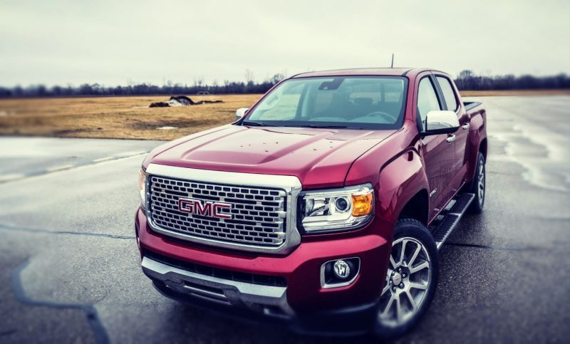 While The Regular Canyon Model Looks Nice And Is Well Equipped The 2019 Gmc Canyon Denali Is Luxurious Compared To That Gmc Canyon Gmc Denali Gmc