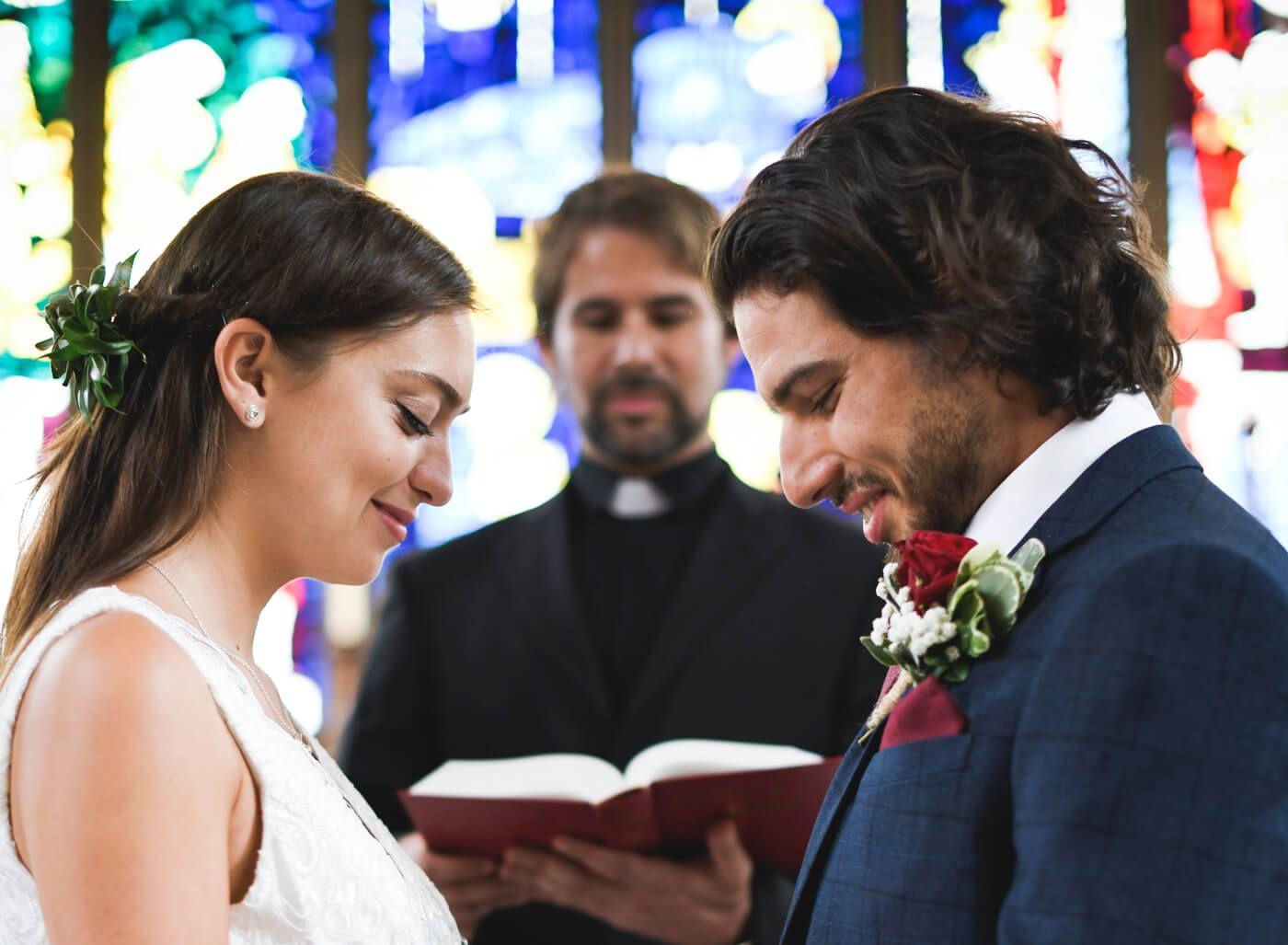 Die Besten Kirchenlieder Fur Einzug Ringtausch Und Auszug Im Uberblick Kirchenlieder Hochzeit Musik Hochzeit Hochzeitsmusik