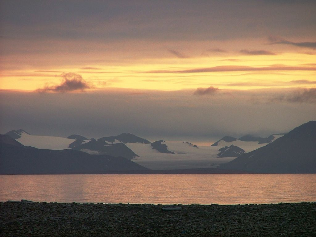 Atardecer en #Svalbard #Noruega Foto: Álvaro Jacobo.