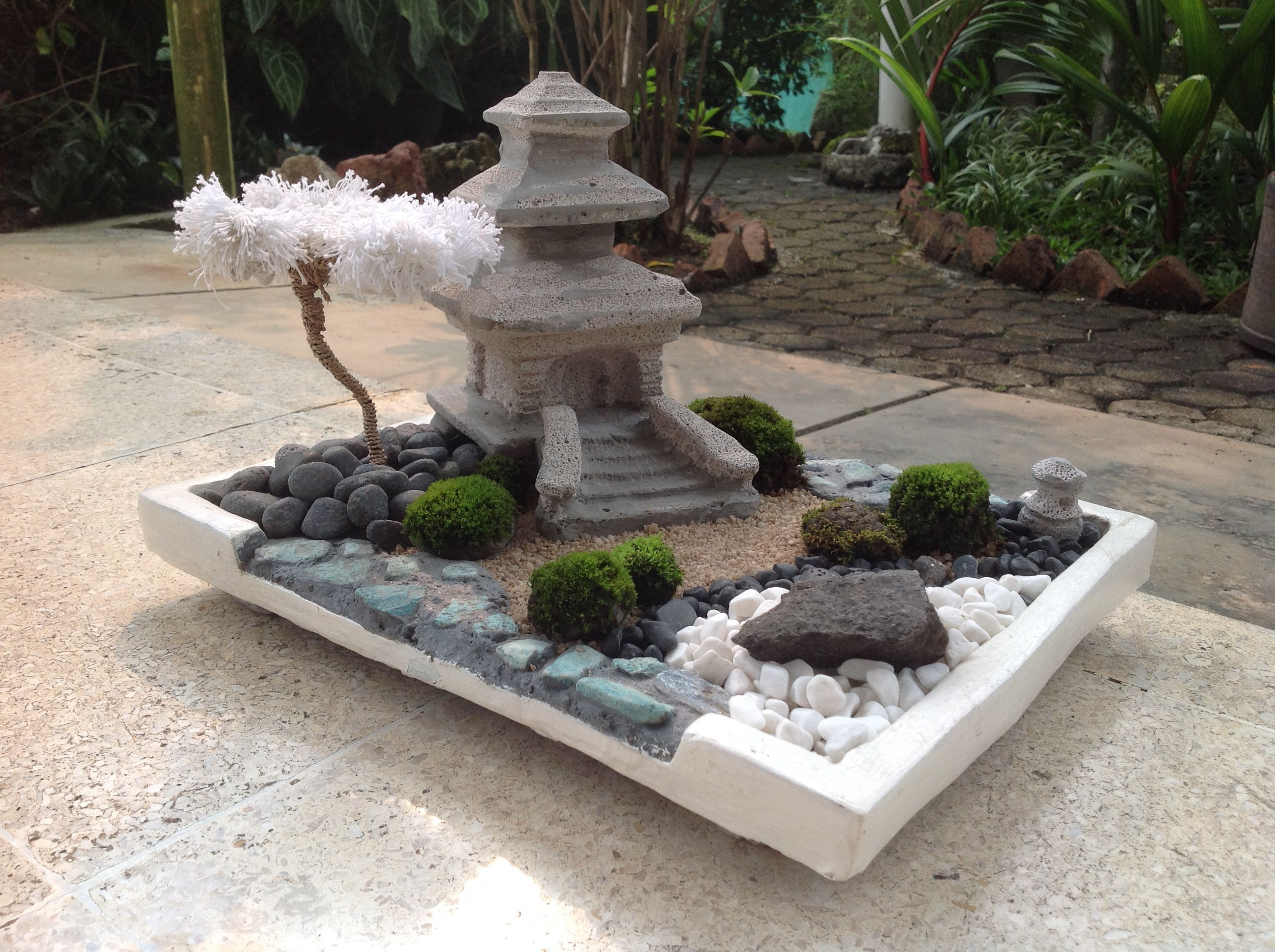 Breathtaking Awesome Mini Zen Garden Use the box cutter to