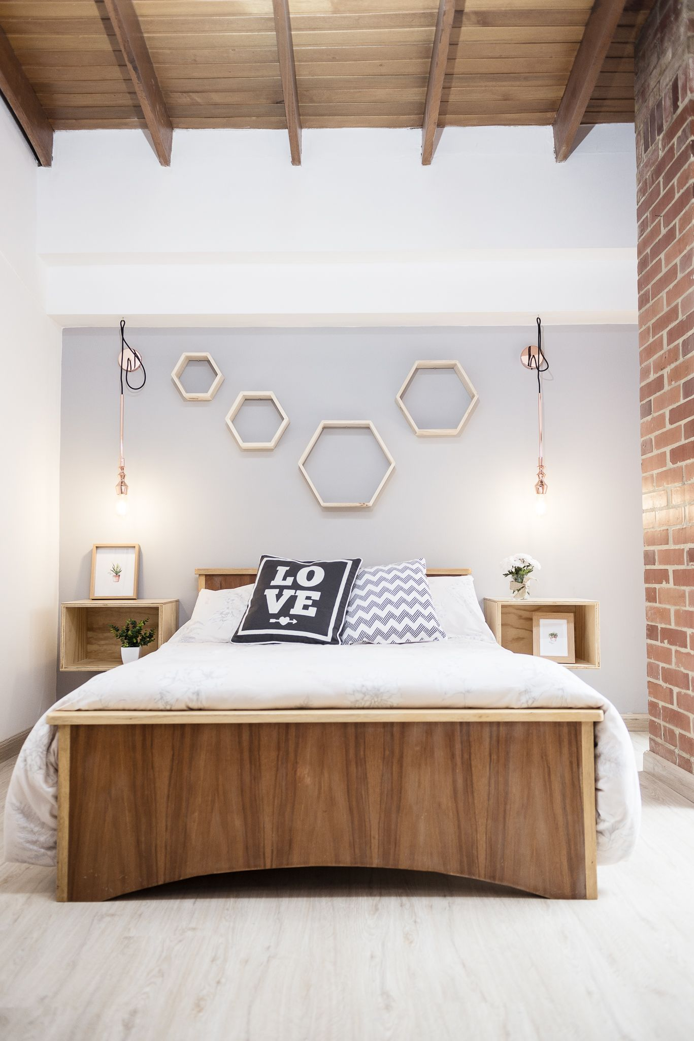 Natural wood and copper for your bedroom. Decor