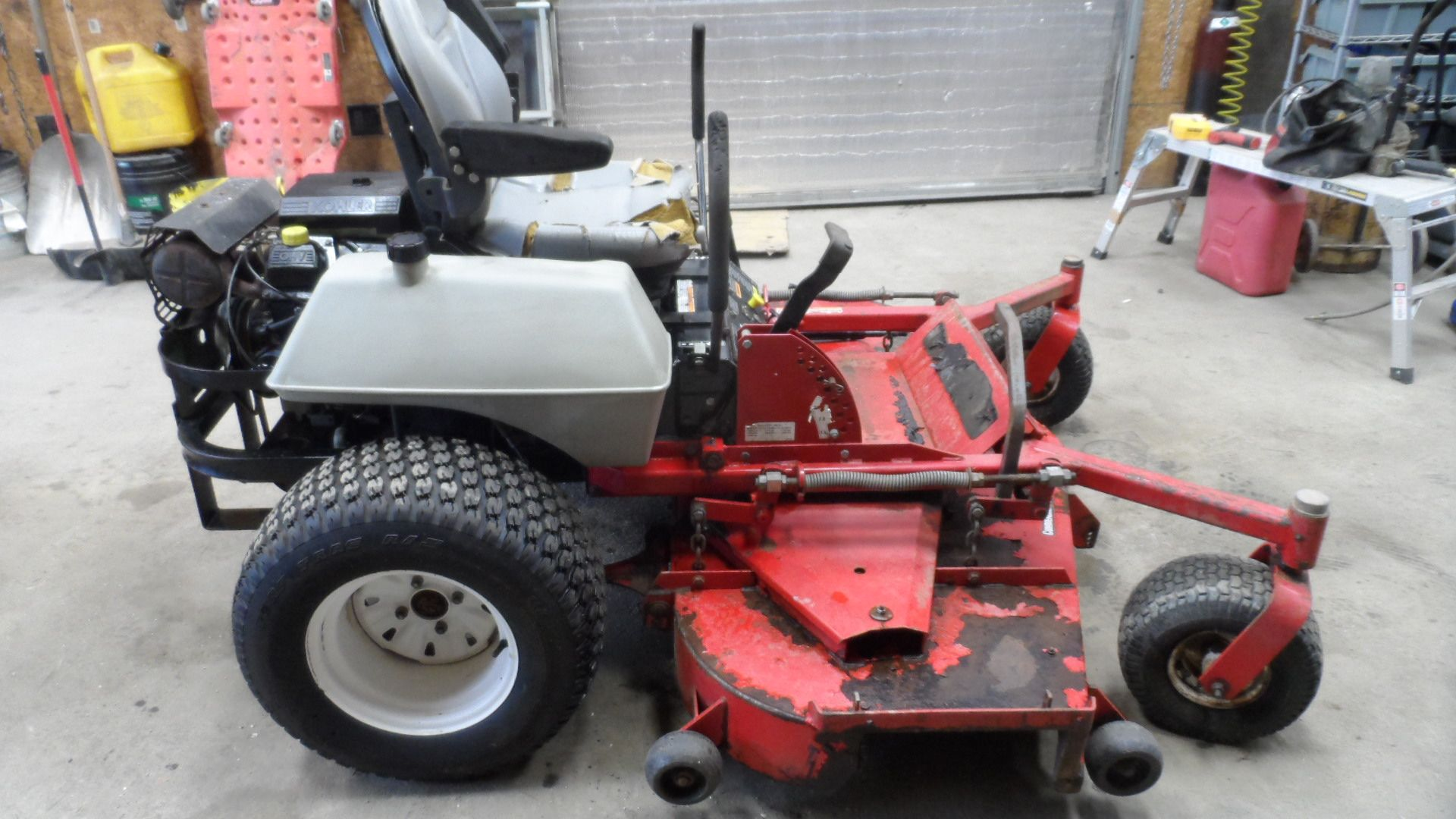 Exmark Zero Turn Mower 25HP Kohler Engine 72