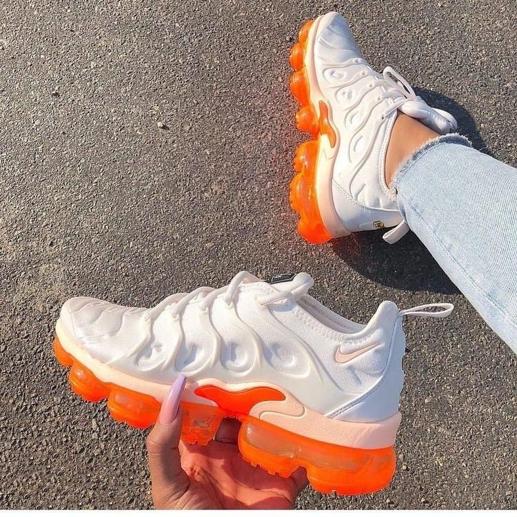 Vapor Max Plus Creamsicle