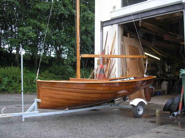 Uffa Fox National 12 rebuild | Wooden Boat Builder | Little bits of floating heaven in 2019 ...