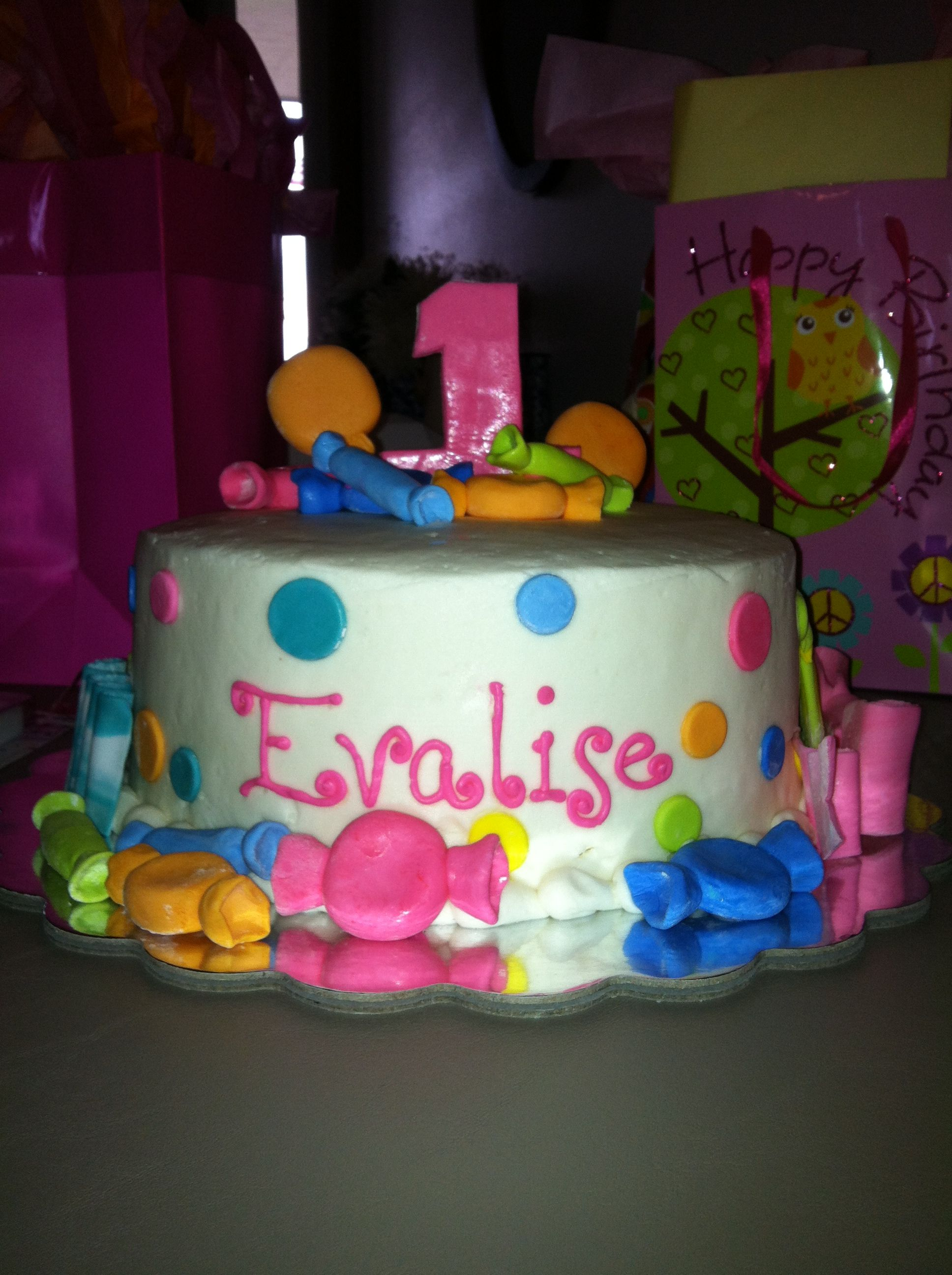 One of Eva's 1 yr bday cakes! The other was two tiers (for her bigger party...yes, she got two) but the same concept.