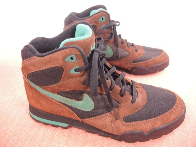 Nike hiking boots  c17601ea8
