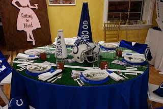 Football get togethers are suppose to be fun and not formal. I LOVE the way this blogger has show two different table settings: one for the adults and one for the kids. Just change the colors to suit your favorite team!