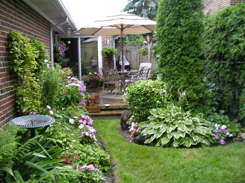 Landscaping For Small Shady Back Yards Houston Landscaping Ideas For Small Yards Photograph Backyard Backyard Pool Landscaping Backyard Landscaping Designs