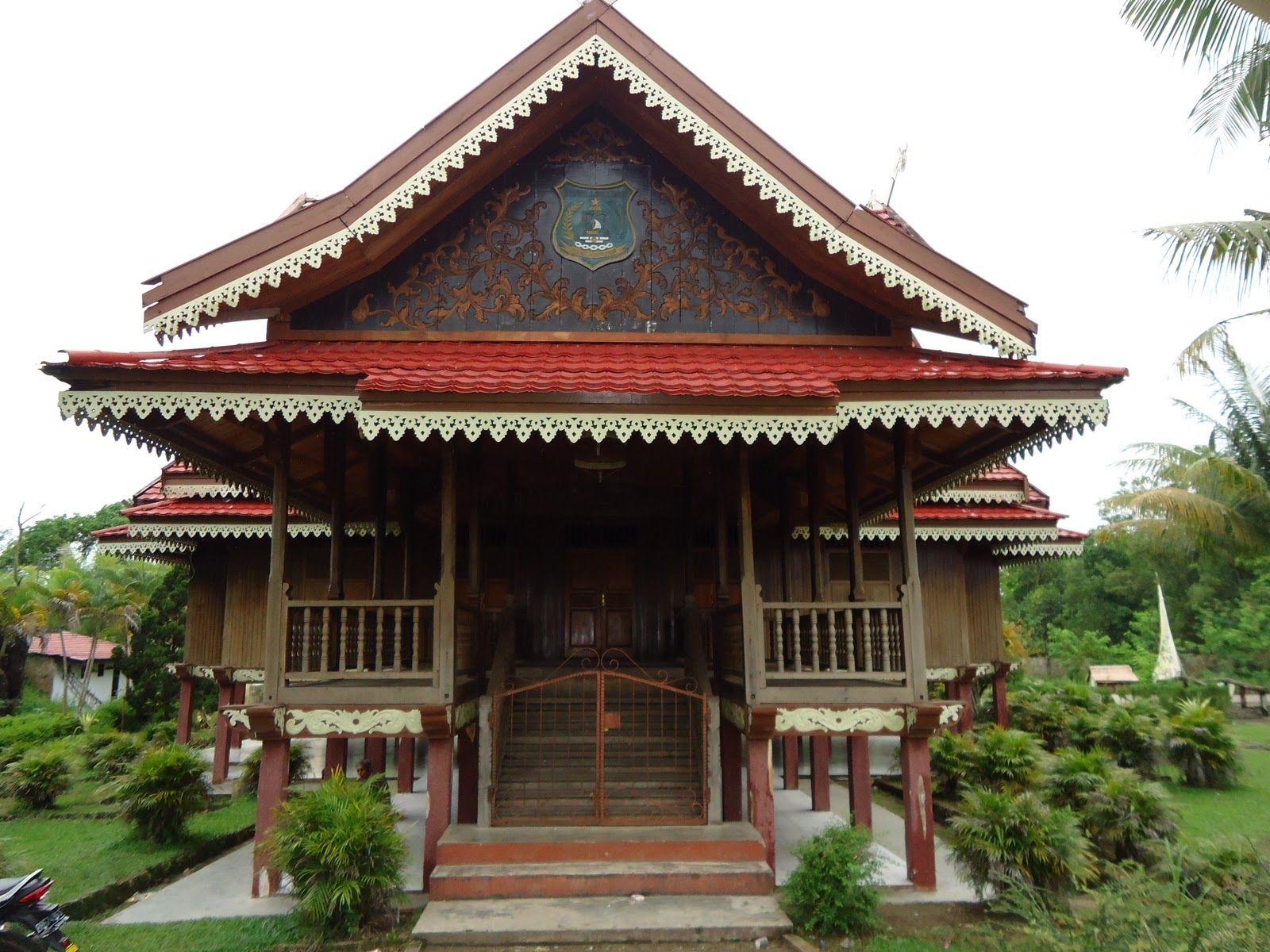 Rumah Adat Jawa Timur Dan Pakaian Adat