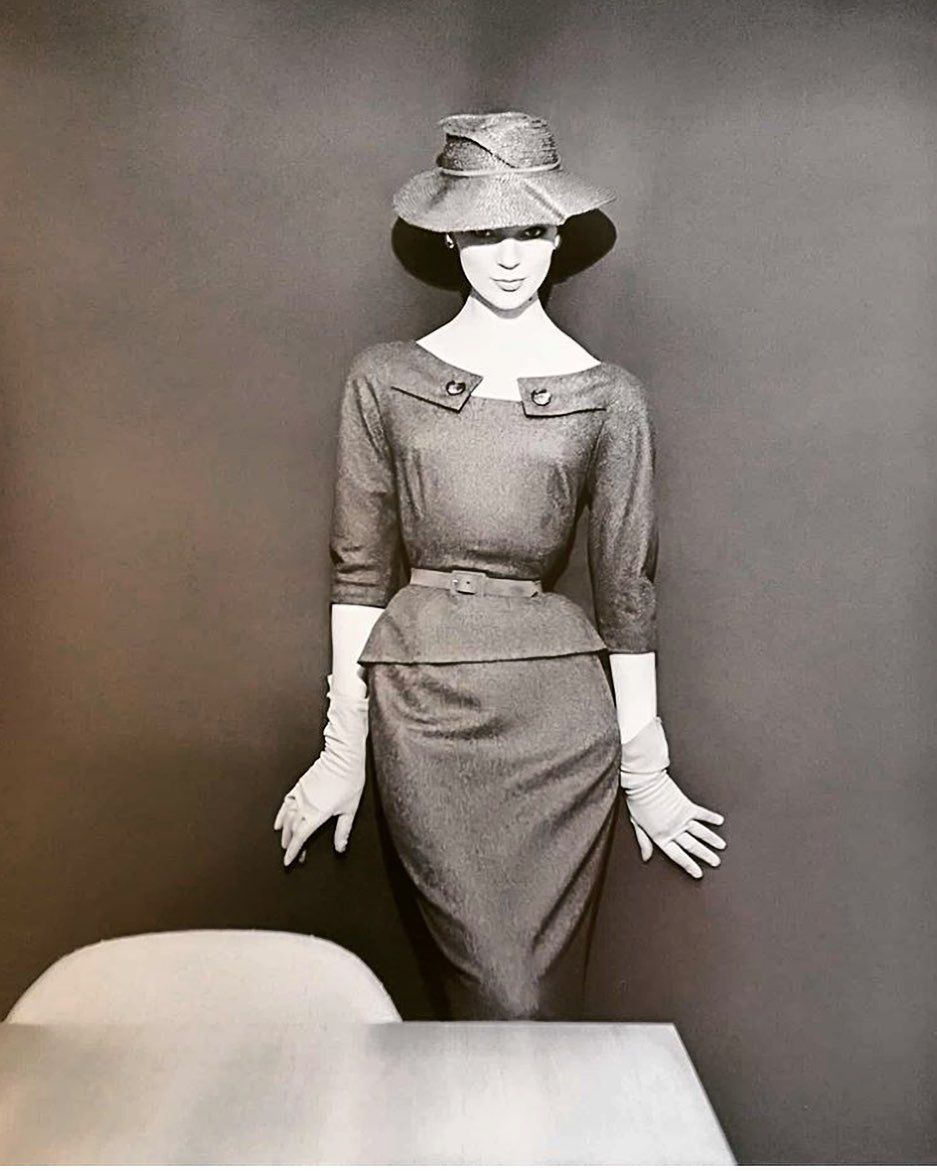 """Joe Ruggiero on Instagram: """"#vintagefashion #vintagestyle #vintagemodel #womensfashion #fashionphotography @classekilo"""" -   Joe Ruggiero on Instagram: """"#vintagefashion #vintagestyle #vintagemodel #womensfashion #fashionphotography @classekilo"""" -   Homepage      Accept; although it sounds a bit serious, dark arts is everyone's favorite style lesson. The Grunge stream, which seized the 2019-20 Autumn / Winter catwalks, is more effective and noisier than ever. Obviously, pitch tones, wrinkled form"""