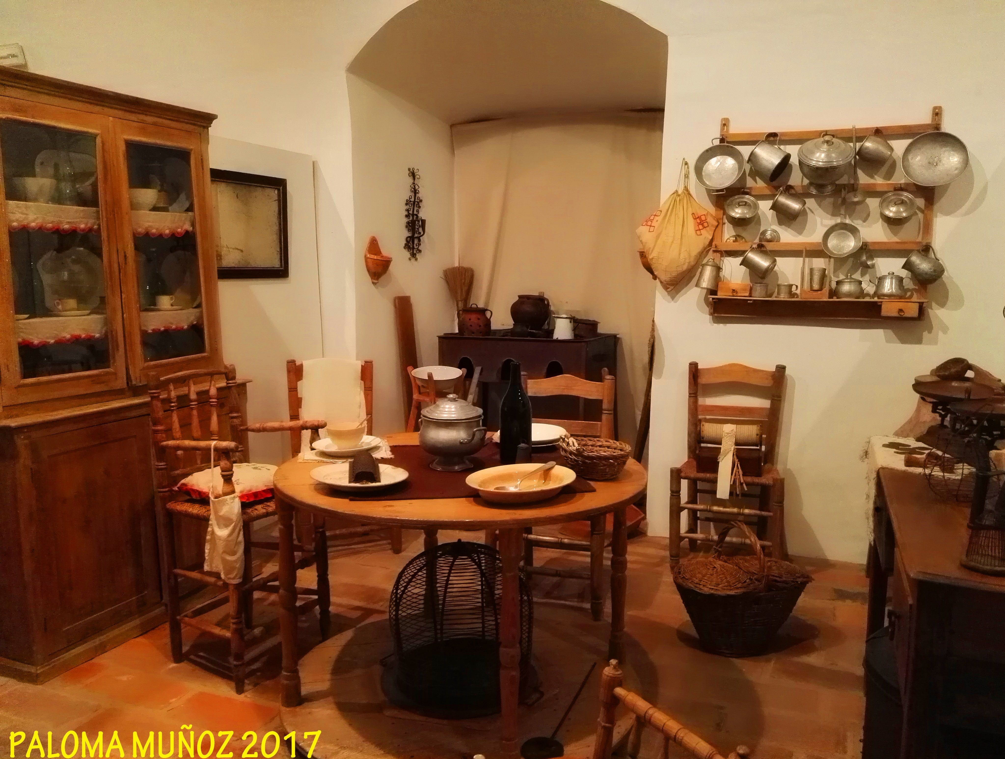 Cocina R Stica Sencilla Mesa Con Calentador O Estufa De Hierro  # Muebles Gil Alburquerque