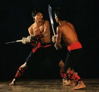 Indian Thang-Ta: spear & sword fighting style | Martial arts