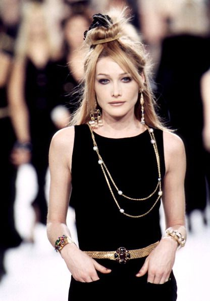 Carla Bruni during the Chanel RTW Fall/Winter 1996-1997 show, March 13, 1996 in Paris, France.