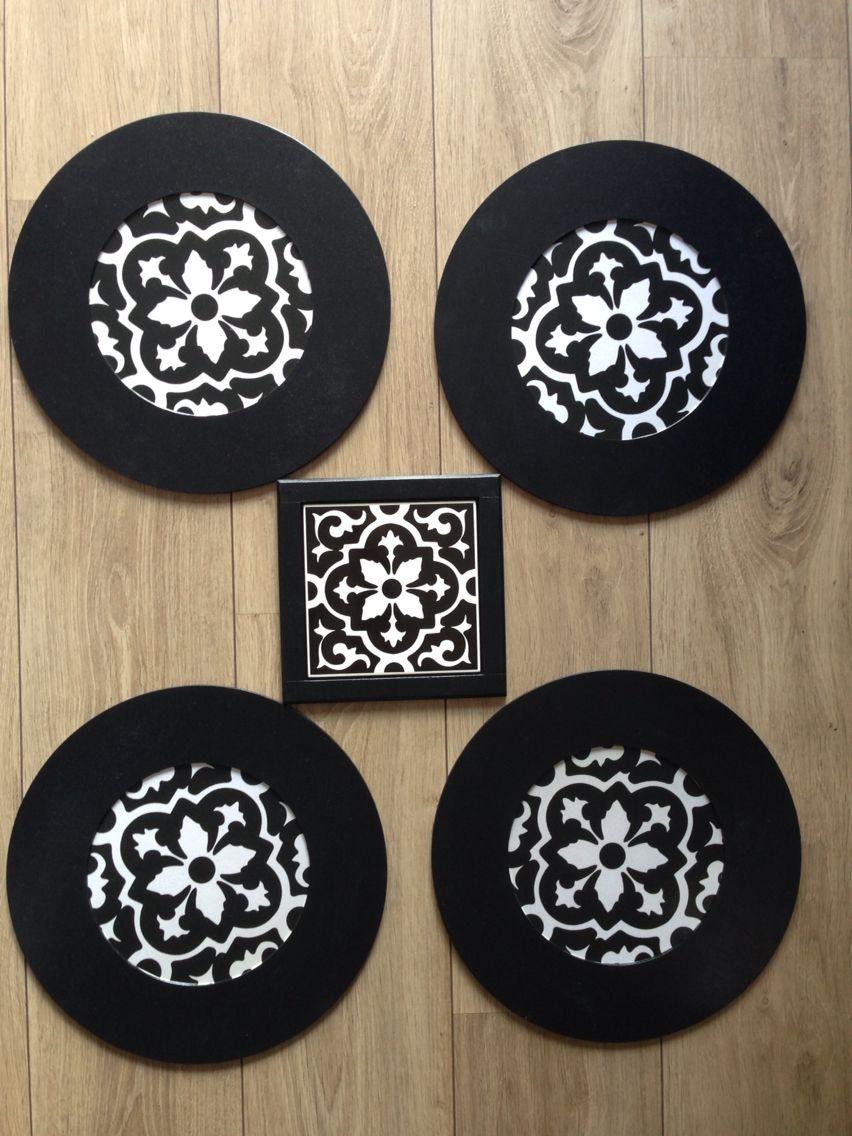 Conjunto de sousplats com apoio wood tile em preto e branco, combinação clássica e elegante!