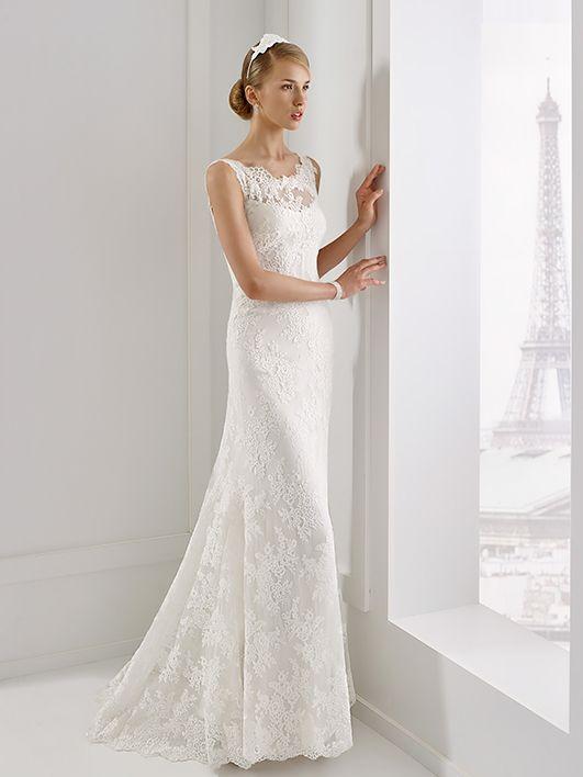 Robes de mariée Sélénite Robe de mariée dentelle et strass encolure  élégante bord d épaules a6e9372c6ad5