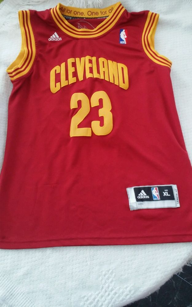 Youth xlarge Cleveland Cavaliers LeBron James 23 Jersey gently used Adidas  in Sports Mem a1016be7d