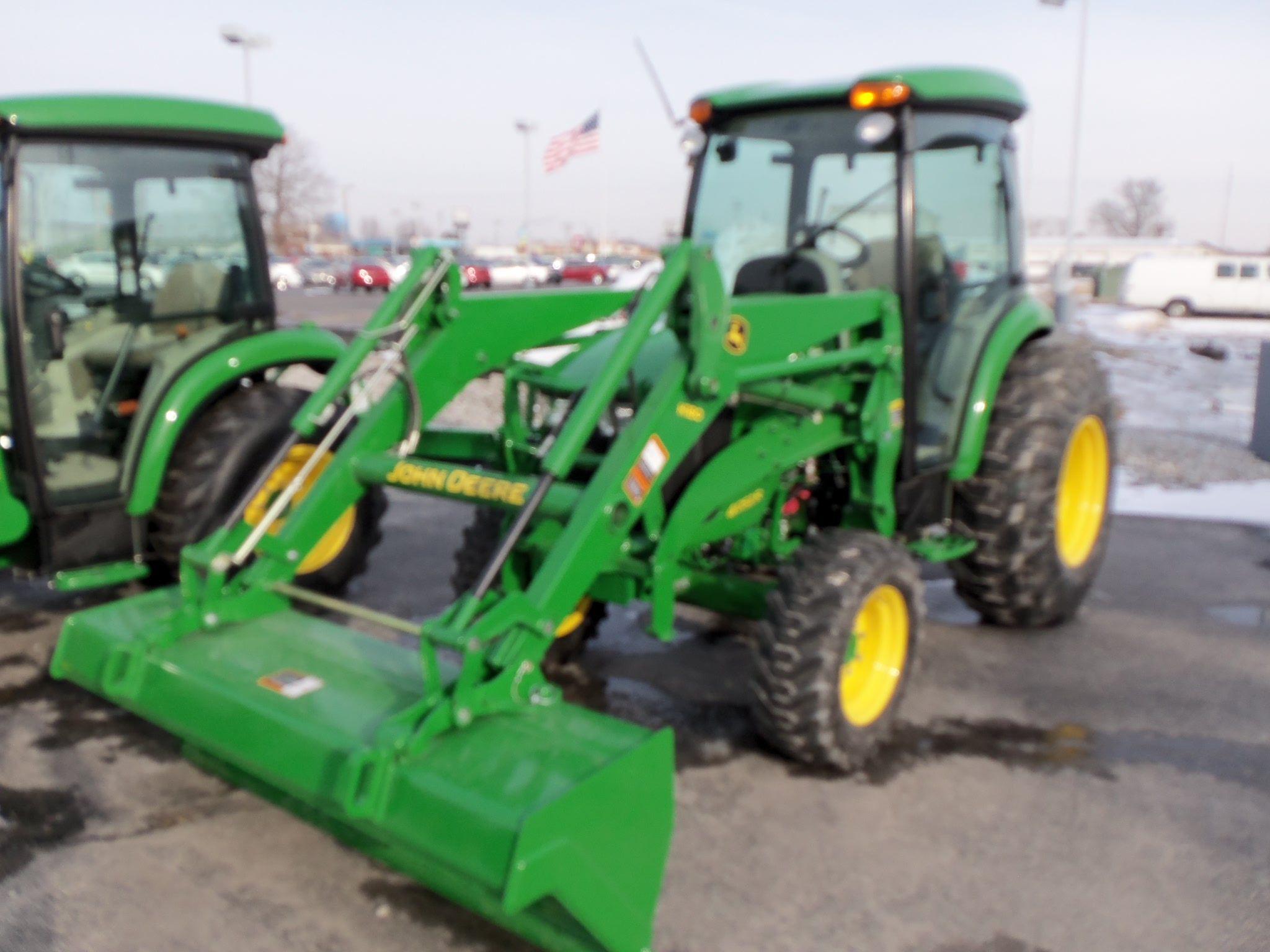 John Deere 4052R with H180 loader