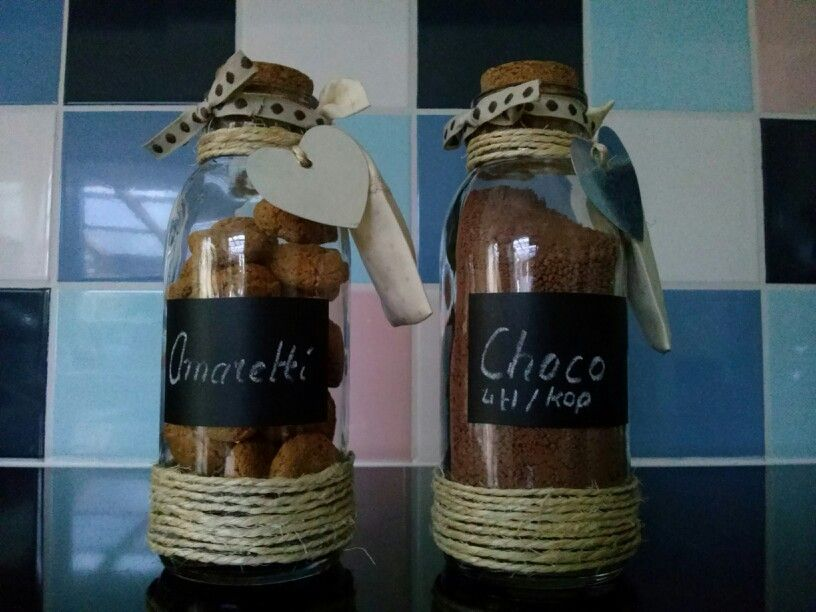 Self decorated bottles filled with italian cookies and choco (4 tsp per cup)